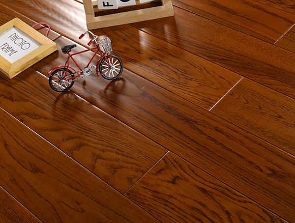 实木锁扣地热地板的保养要点